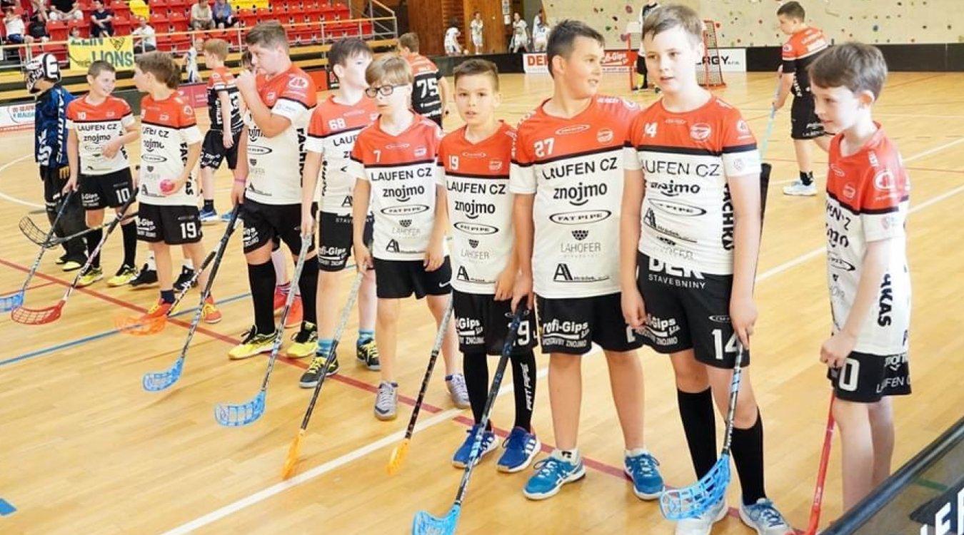 Mládežnického florbalového maratónu ve Znojmě se zúčastnilo 229 dětí!