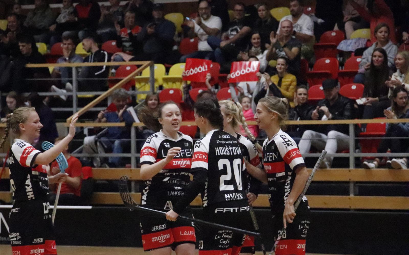 Ženy při domácí premiéře dvakrát zvítězily a vedou tabulku 1. ligy